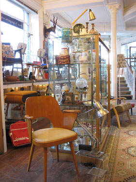 Planet Vintage Girl Opens Mid Century Showroom In