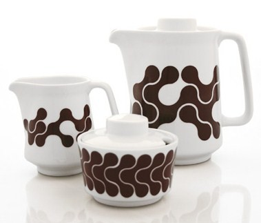 Brown links coffee service