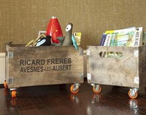 94342-Rustic-Wooden-Storage-Box-on-Wheels