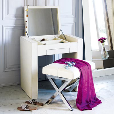Graham and Green dressing table