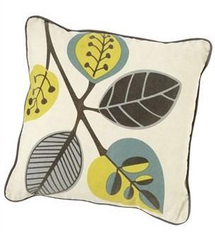 Retro leaves cushion