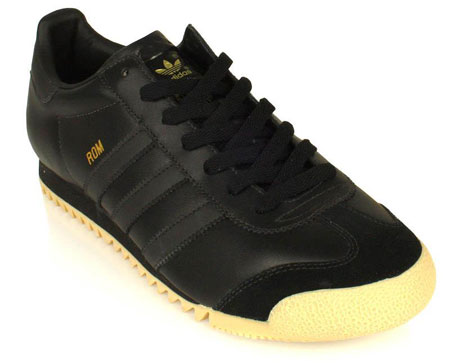 full black adidas trainers