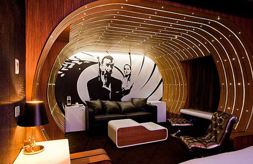 retro retreat the 007 suite at the seven hotel latin. Black Bedroom Furniture Sets. Home Design Ideas