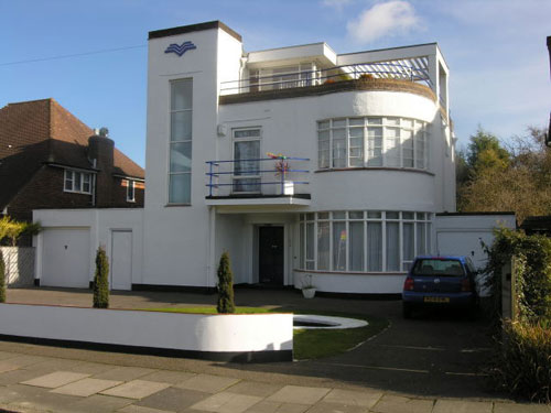 art deco house in luton