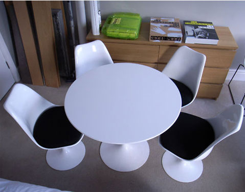 EBay Watch Eero Saarinendesigned Knoll Tulip Dining Table And Four - Knoll tulip table and chairs