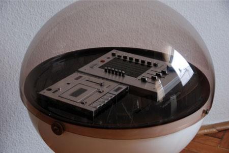 eBay watch: 1970s Rosita UFO Vision 2000 space age hi-fi system