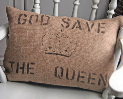 Barbara-coupe-god-save-the-queen-cushion-5076-p