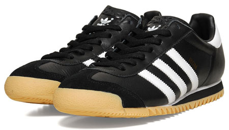 Adidas Rom trainers in black and white