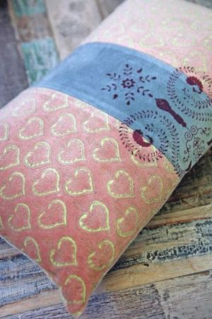 Beautiful-moroccan-pale-pink-blue-grey-velvet-cushion-12722-p[ekm]335x502[ekm]