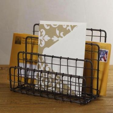 Vintage-industrial-wire-letter-holder