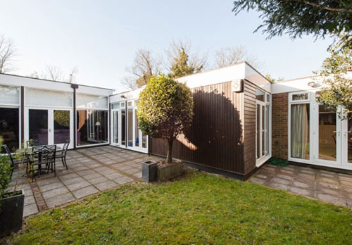 The week at wowhaus another selection of retro houses you for Frazer crane architect