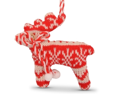 Knitted-hanging-christmas-tree-decorations