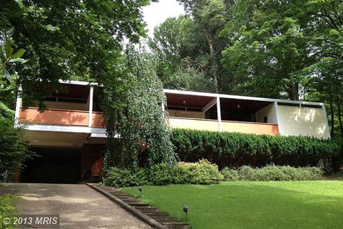 The week at wowhaus the best retro houses on the site for Retro modern house