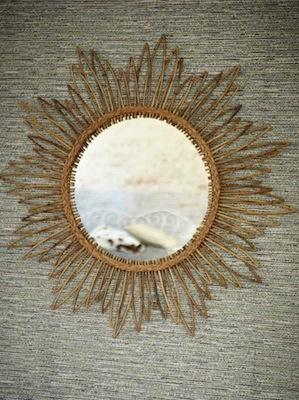 Sunburst mirror plumo