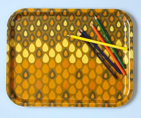 Heals fabric tray