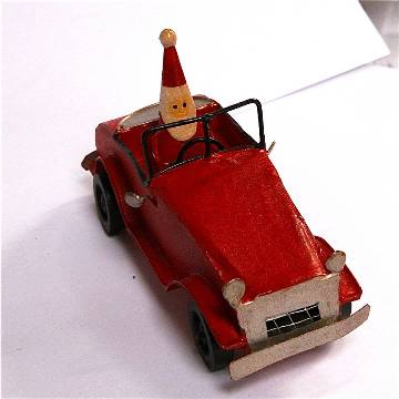 Original_santa-driving-vintage-red-car-decoration
