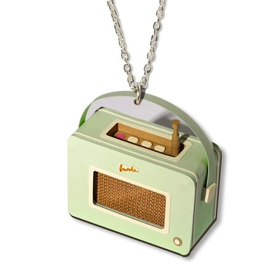 Radio necklace jacqueline wagner