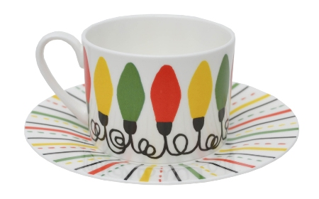 Retro-fariy-lights-tea-cup-saucer