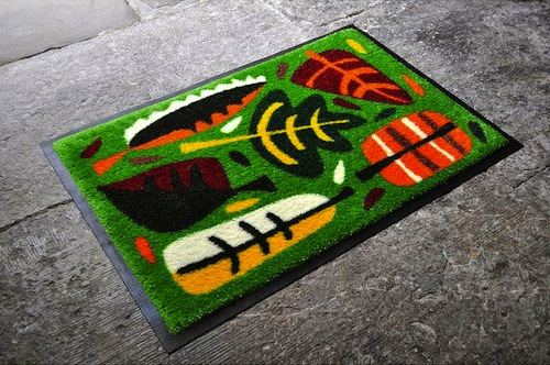 Scattered leaves doormat