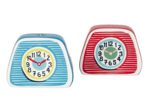 Clocks salt and pepper shakers