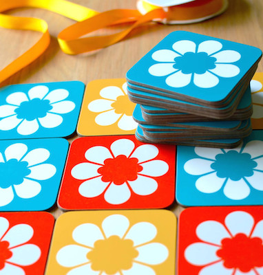 Retro flower coaster