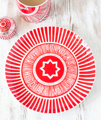 Tunnocks-teacake-plate-2