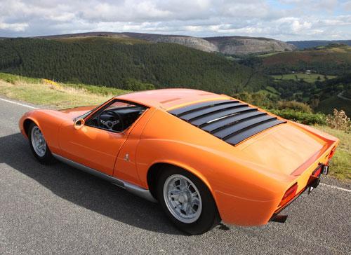 Lamborghini Miura From The Opening Scene Of The Italian Job Goes Up
