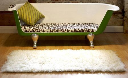 Reestore Max - sofa made from a vintage bath tub - Retro to Go