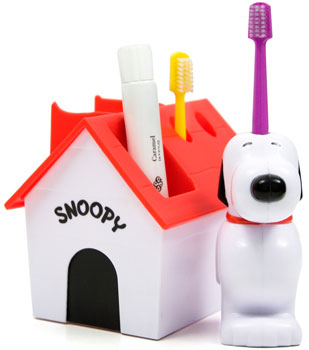 Snoopy_toothbrush