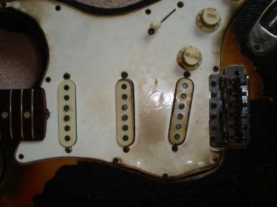 Hendrix_guitar__1__high_2